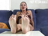 I know all about your obsession with womens feet