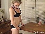Yanks Cutie Kiki Rubbing Her Pussy