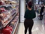 Culona hermosa de compras hay segunda parte
