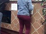 Bubble butt ebony in red spandex leggings ordering food