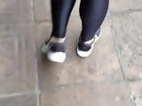 Delicia na leg preta brilhosa