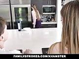 Familystorkes hora mom