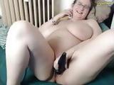 Tasty babe masterbates