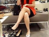 Gf gives sexy sitting upskirts, shoe soppping