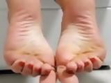 Latina foot model