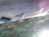 vide couille en levrette dans un chemin au milieu des bois