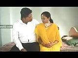 Desi Mulla wife