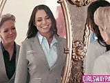 Dyke Dee Williams teaches Aidra Fox all about pussy play