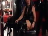 Miss Lady Tina stellt sich in ihrem Studio vor